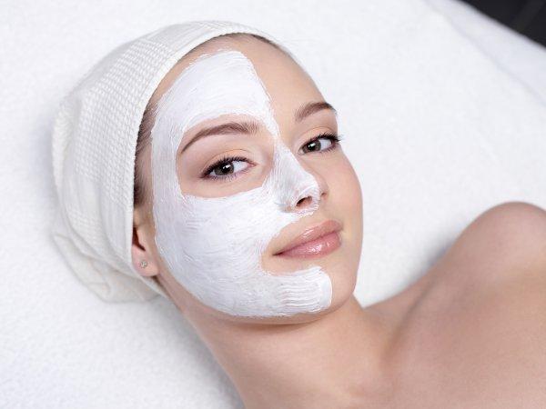 photodune-2203657-woman-getting-facial-mask-xl